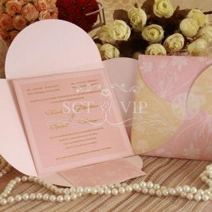 การ์ดแต่งงานพร้อมไส้ ขนาด 5.75x5.75 นิ้ว สีชมพู รหัส 60181