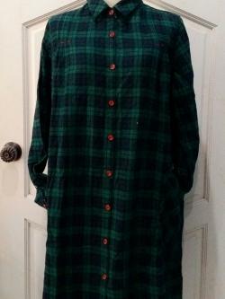 เดรสเชิ้ตผ้าฝ้ายลายสก้อตคลาสสิค สีเขียวเข้ม