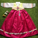 Hanbok Girl ฮันบกผ้าไหม สำหรับเด็ก 8 ขวบ