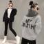 KW6011003 เสื้อกันหนาวแฟชั่นเกาหลีสวมหัวมีฮูดสีดำซิปหน้าผ้าผสมขนสัตว์รุ่นใหม่แนวสปอร์ต (Preorder) thumbnail 3