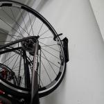 ที่แขวนจักรยานติดผนัง รุ่นแขวนล้อหน้าหรือหลัง ตัวแขวนพับได้ ไม่เกะกะ