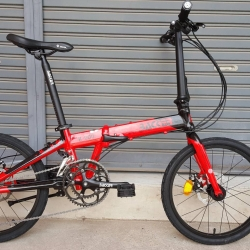 จักรยานพับ ล้อ 20 นิ้ว Twitter Backer รุ่น K200 เฟรมอลูสีแดงดำ เกียร์ Shimano Sora 18 Speed ดุมล้อแบริ่ง จุดพับ Auto