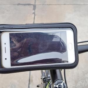 แท่นจับโทรศัพท์แบบกระเป๋า Kukudos รุ่น MKW2 ใช้ได้กับจักรยาน และมอเตอร์ไซค์