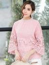 เสื้อลูกไม้สีชมพู ปักดอกไม้ แขนห้าส่วน
