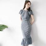 ชุดเดรสลูกไม้ออกงานสั้นสีเทา เข้ารูปทรงหางปลาระบาย ใส่ไปงานแต่งดูสวยงามสง่า