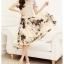 ชุดเดรสยาวสีดำ เสื้อสีขาว แขนสั้น คอกลม เย็บมุกตรงไหล่ กระโปรงลายดอกไม้ สวยหวาน thumbnail 4