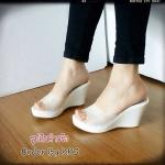 รองเท้าส้นเตารีด สีขาว