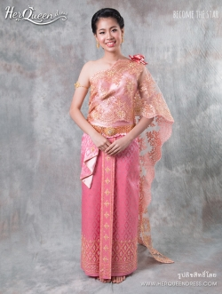 เช่าชุดไทย &#x2665 ชุดไทยประยุกต์ ชุดติดกันสีชมพู ผ้าสไบเฉียงแซมทอง ติดกุหลาบที่ไหล่