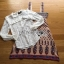 เซ็ตเสื้อลูกไม้สีขาวสไตล์เฟมินีนและเดรสสายหนาผ้าวิสโคสพิมพ์ลาย thumbnail 2