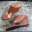 รองเท้าลำลองส้นเตารีด thumbnail 1