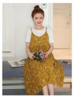 ชุดเอี๊ยมคลุมท้องสีเหลือง + เสื้อสีขาว