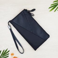 กระเป๋าสตางค์หนังแท้เเบบครัชท์ 2 ช่องซิปขนาดใหญ่ มีสายคล้องข้อมือ สีดำ