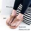 รองเท้าลำลองแบบคีบสีแทน วัสดุหนังนิ่ม SP001-แทน