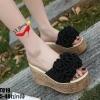 รองเท้าส้นเตารีดสีดำ แบบสวม ST019-BLK