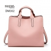 กระเป๋าสะพายผู้หญิงหนังอยู่ทรง มีแบบหนังเงาและหนังด้าน DM302-ชมพู (สีชมพู)