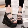 รองเท้าแบบสวมรัดข้อเปิดท้ายส้นตึกสีดำ LB-ST813-BLK