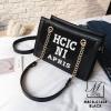 กระเป๋าแฟชั่นงานนำเข้าทรงยอดฮิตปักเลื่อมวิ๊บวับ MB18-01604-BLK (สีดำ)