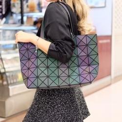 กระเป๋าสะพายแฟชั่น กระเปาสะพายข้างผู้หญิง Bao bao 7*8 สีรุ้งLOGO [สีรุ้ง ]