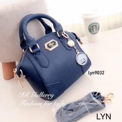 กระเป๋าถือ กระเป๋าสะพายข้างผู้หญิง วัสดุหนังพียูคุณภาพพรีเมี่ยม Lyn Alicia s [สีน้ำเงิน ]