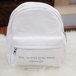 กระเป๋าเป้ผู้หญิง กระเปาสะพายหลังแฟชั่น ผ้าร่มสุดพรีเมี่ยม ไซส์กะทัดรัด [สีขาว ]