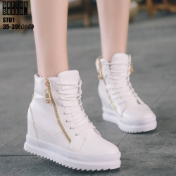 รองเท้าผ้าใบสีขาว ST01-WHI