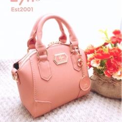 กระเป๋าถือแฟชั่น กระเป๋าสะพายข้างผู้หญิง เน้นสีสันสดใส สไตล์ LYN [สีชมพู ]