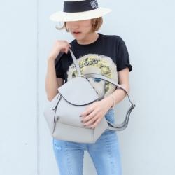 กระเป๋าเป้ผู้หญิง กระเปาสะพายข้างผู้หญิง สะพายได้สองแบบ สุดชิค [สีเทา ]