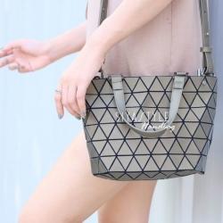 กระเป๋าสะพายแฟชั่น กระเป๋าสะพายข้างผู้หญิง Barel Mini Nologo สีด้าน [สีทอง]