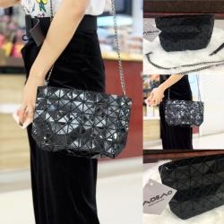 กระเป๋าสะพายแฟชั่น กระเปาสะพายข้างผู้หญิง bao bao mini สีรุ้ง Logo สายโซ่ [สีดำ ]
