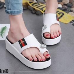 รองเท้าแตะสวมนิ้วโป้งทรงเตารีดสีขาว LB-ST285-WHI