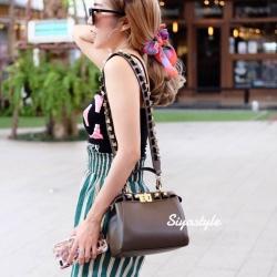 กระเป๋าสะพายแฟชั่น กระเป๋าสะพายข้างผู้หญิง Fendi candy stud [KHA]