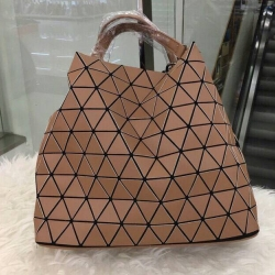 กระเป๋าสะพายแฟชั่น กระเป๋าสะพายข้างผู้หญิง Bao Bao Baral Nologo [สีคาราเมล]
