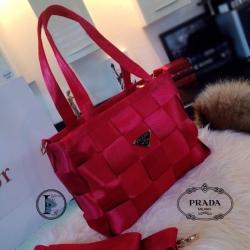 กระเป๋าสะพายแฟชั่น กระเปาสะพายข้างผู้หญิง วัสดุเชือกนิ่มสานลายตาราง Style Prada งานTop Mirror [สีแดง ]
