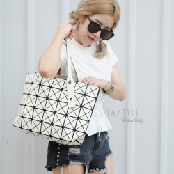 กระเป๋าสะพายแฟชั่น กระเป๋าสะพายข้างผู้หญิง Bao Bao 7*8 Logo [สีครีม]