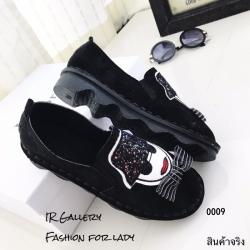พร้อมส่ง รองเท้าคัทชูแฟชั่นสีดำ หนังกลับ ดีเทลปักลายหน้าคน แฟชั่นเกาหลี [สีดำ ]