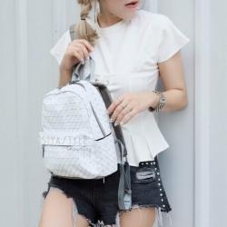 กระเป๋าเป้ผู้หญิง กระเป๋าสะพายหลังแฟชั่น Bao Bao mini บล็อคเล็ก Logo [สีขาว ]