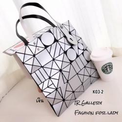 กระเป๋าทรงช็อปปิ้ง หูจับปรับขนาดได้ Issey Miyake Bao Bao ลายใหม่ล่าสุด [สีเงิน ]