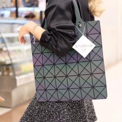 กระเป๋าสะพายแฟชั่น กระเปาสะพายข้างผู้หญิง Bao-bao 6*6 Logo สีรุ้ง [สีรุ้ง ]