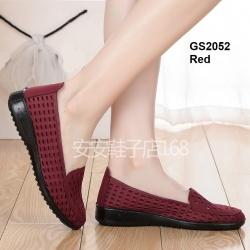 รองเท้าคัทชูผ้านิ่ม ฉลุลาย ขอบยางกันลื่น [สีแดง ]