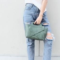 กระเป๋าสะพายแฟชั่น กระเป๋าสะพายข้างผู้หญิง กระเป๋าดีไซด์เก๋ เอนกประสง ถือก็ได้สะพายก็เท่ หนังPU [สีเขียว ]