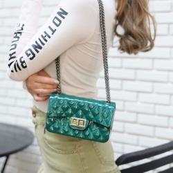 กระเป๋าสะพายแฟชั่น กระเป๋าสะพายข้างผู้หญิง งานสิลิโคนนิ่ม สายโซ่ Mini-Toy [สีเขียว ]