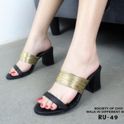 รองเท้าส้นตันเปิดส้นสีดำ คาดเส้นทอง LB-RU-49-BLK