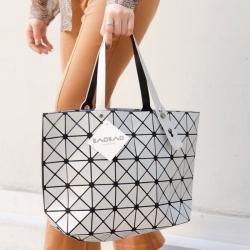 กระเป๋าสะพายแฟชั่น กระเปาสะพายข้างผู้หญิง Bao Bao 7*8 Logo สีด้าน [สีเทา ]