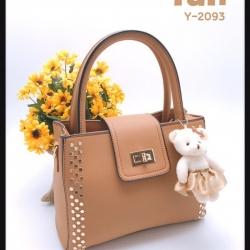 กระเป๋าถือแฟชั่น กระเป๋าสะพายข้างผู้หญิง แต่งหมุด ห้อยน้องหมีน่าร้าก [สีแทน ]