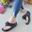 รองเท้าแตะพื้นสุขภาพสีดำ งานเย็บหน้ากุหลาบ 992-30-ดำ thumbnail 2