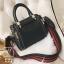 กระเป๋าแฟชั่นนำเข้าดีไซน์สุดเก๋ส์ B12019-BLK (สีดำ) thumbnail 1