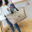 กระเป๋าแฟชั่นนำเข้า Style Victoria's secret BAI-201-GLD (สีทอง) thumbnail 2