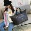 กระเป๋าแฟชั่นนำเข้า Style Victoria's secret BAI-201-BLK (สีดำ) thumbnail 4