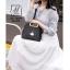 กระเป๋าแฟชั่นนำเข้าดีไซน์เก๋ส์ AX-12299-BLK (สีดำ) thumbnail 3