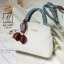 กระเป๋าสะพายกระเป๋าถือ แฟชั่นนำเข้าแบรนด์ axixi ดีไซน์เก๋ส์ AX-12477-CRM (สีครีม) thumbnail 3